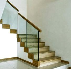 Barandillas y escaleras de cristalVitoria
